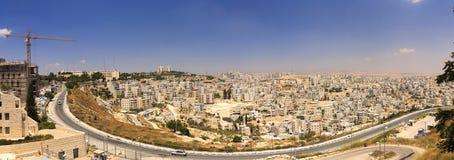 Панорама пригорода восточного Иерусалима и городка западного берега Стоковые Изображения