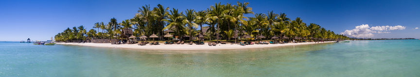 Панорама: Пляж Trou вспомогательный Biches Стоковые Фотографии RF