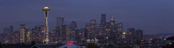 Панорама Сиэтл на сумраке. Стоковое Фото