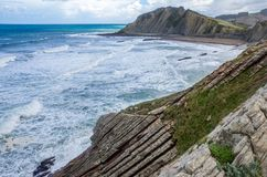 Панорама скал и флиша Zumaia, Басконий стоковые фото