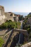 Панорама старого города Дубровника в Хорватии - мосте стоковая фотография rf