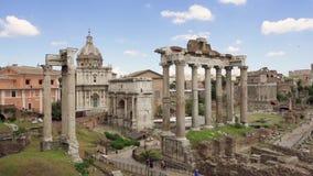 Панорама старого форума Romanum руин в замедленном движении Римский форум в центре города Рима, Италии акции видеоматериалы