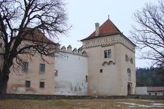 Панорама старых исторических зданий в центре города Kezmarok в Словакии Стоковые Изображения RF