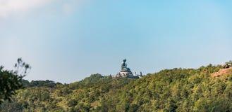 Панорама статуи Будды гиганта в острове Lantau стоковые фотографии rf