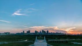 Панорама с заходом солнца timelapse города Астаны и резиденции Akorda президента с парком видеоматериал