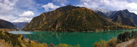 Панорама Тибета Стоковые Изображения
