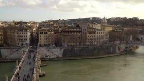 Панорама Тибра и Рима от Castel Sant Angelo, лета Италии Европы сток-видео