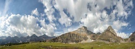 Панорама утесистых гор Канады Стоковое Фото