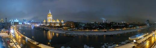 Панорама улиц ночи Москвы весной Стоковые Фотографии RF