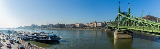 Панорама цепного моста над Дунаем стоковые изображения rf