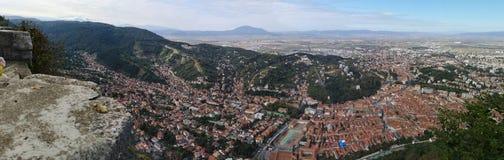 Панорама Brasov Румынии от верхней части стоковое фото