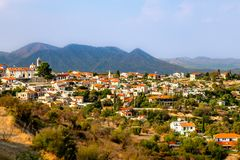 Панорама Lefkara, традиционной кипрской деревни с красным roofto стоковое фото rf