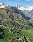 Панорама Torgnon с Cervino в предпосылке Стоковые Фотографии RF