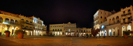 Панорама Vieja площади в старой Гаване, Кубе Стоковое Фото