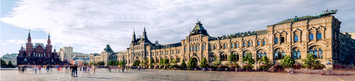 Панорамная красная площадь, исторический музей и КАМЕДЬ в Москве, России стоковые изображения rf