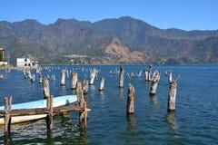 Панорамное озеро Гватемала Atitlan ландшафтов стоковая фотография rf