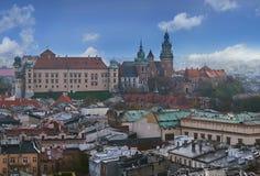 Панорамное cityview Кракова на замке и соборе Wawel Стоковое Фото