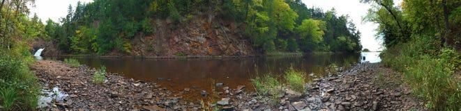 Панорамные водопад и река Стоковая Фотография