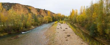 Панорамный ландшафт с рекой в осени Стоковое фото RF