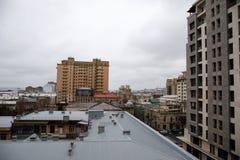 Панорамный взгляд Баку пасмурное небо городск Столица Азербайджана стоковая фотография rf