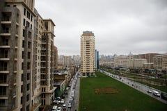 Панорамный взгляд Баку пасмурное небо городск Столица Азербайджана стоковые изображения rf