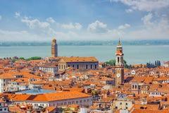 Панорамный взгляд Венеции от башни колокольни ` s St Mark Стоковые Изображения RF