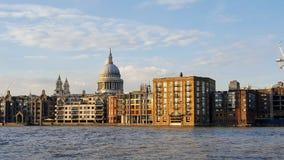 Панорамный взгляд города Лондона стоковое изображение rf