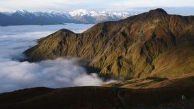 Панорамный взгляд горы Mheer снятый от пропуска Guli Верхнее Svaneti, Mestia около пропуска Ushba Georgia, Европа Видео Hd акции видеоматериалы