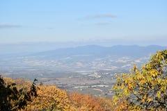 панорамный взгляд долины в Италии Стоковые Фотографии RF
