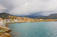 Панорамный взгляд залива города Varazze, Италии Стоковые Фотографии RF