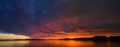 панорамный взгляд захода солнца Стоковая Фотография RF