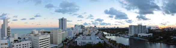 Панорамный взгляд комплекта солнца Miami Beach Стоковое Фото