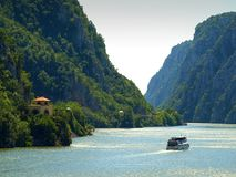 Панорамный взгляд над каньоном Дуная на Dubova, Румынии стоковая фотография