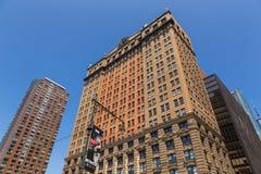 Панорамный взгляд на горизонте Манхаттана небоскреба более низком в Нью-Йорке Стоковые Изображения