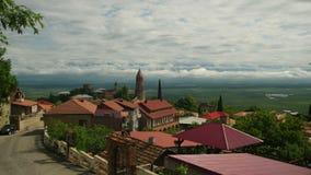 Панорамный взгляд на ландшафте города Sighnaghi, Georgia Промежуток времени видеоматериал