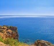 Панорамный взгляд на Средиземном море от скалы индюк antalya Стоковое Изображение RF