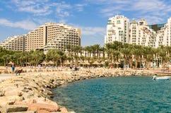 Панорамный взгляд на центральном пляже Eilat, Израиля стоковая фотография