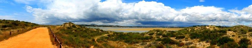 Панорамный взгляд озер соленой воды в Португалии стоковая фотография rf
