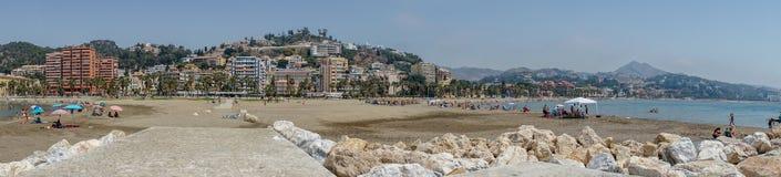 Панорамный взгляд океана на пляже Malagueta с утесами на Mal Стоковая Фотография RF
