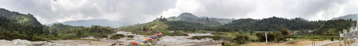 Панорамный взгляд плато Dieng Java, Индонесия стоковое изображение