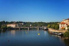 Панорамный взгляд Праги на весенний день Стоковое Изображение