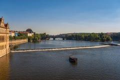 Панорамный взгляд Праги на весенний день Стоковая Фотография