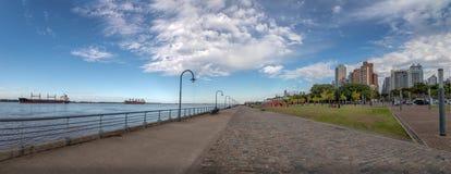 Панорамный взгляд прогулки Рекы Parana - Rosario, Санта-Фе, Аргентины Стоковые Изображения