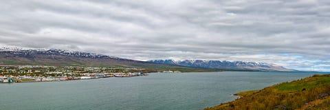 Панорамный взгляд Akureyri, Исландии Стоковая Фотография RF