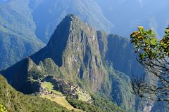 Панорамный взгляд Machu Picchu от горы Machu Picchu Стоковая Фотография