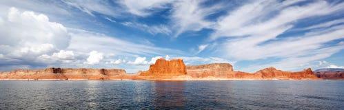 Панорамный взгляд известного озера Пауэлл Стоковое Изображение