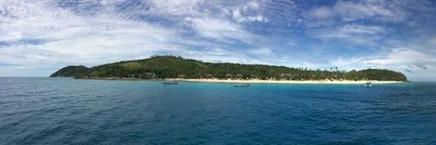 Панорамный взгляд ландшафта и seascape острова Фиджи Waya Стоковые Фотографии RF
