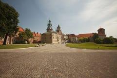 Панорамный взгляд двора замка Wawel королевского с Zygmunt c Стоковые Фотографии RF