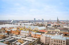 Панорамный взгляд города Риги, Латвии стоковое фото
