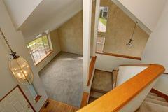 Панорамный взгляд живущей комнаты от вверх украшает Стоковые Изображения RF